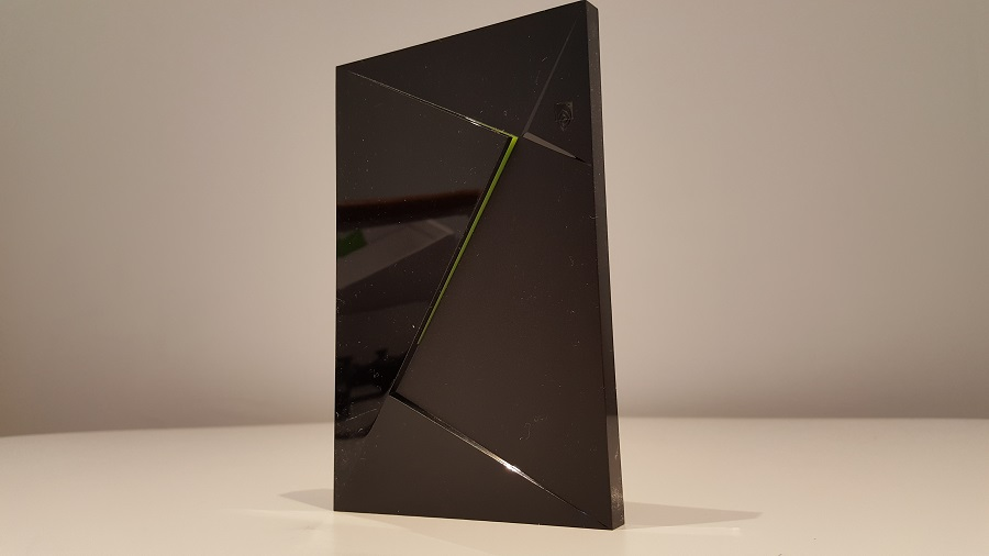 test nvidia shield cloud gaming design ergonomie box