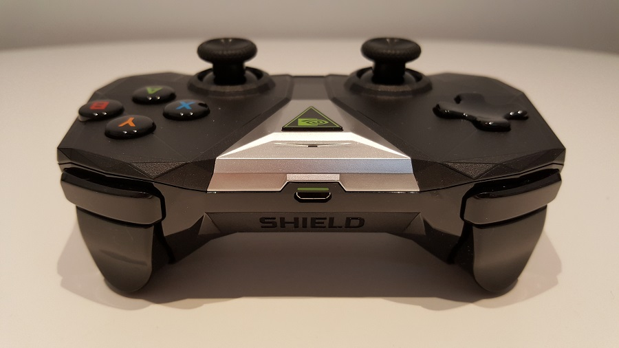 test nvidia shield cloud gaming design ergonomie manette avant